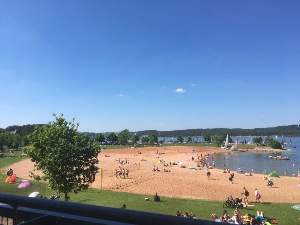 Strand, Baden, Spiel und Spaß.